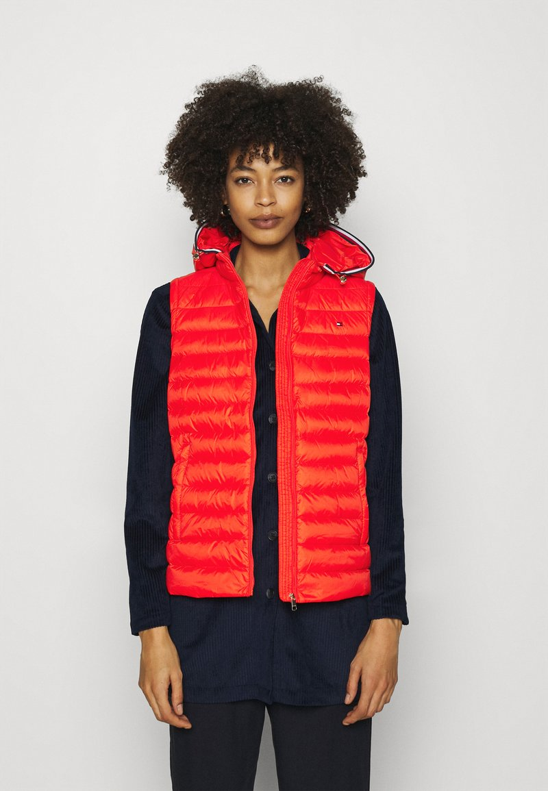 Tommy Hilfiger - ESSENTIAL PACK VEST - Waistcoat - oxidized orange