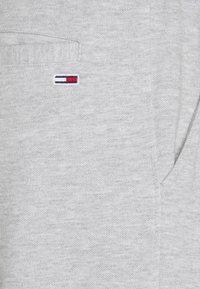 Tommy Jeans - SCANTON PANT - Pantaloni sportivi - grey - 6