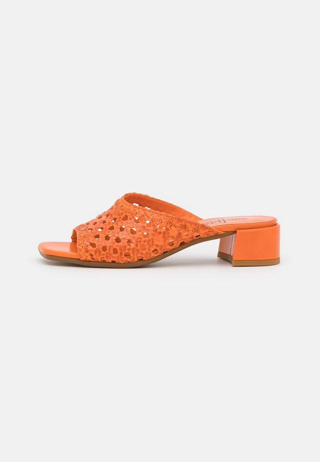 Sandaler - pavala