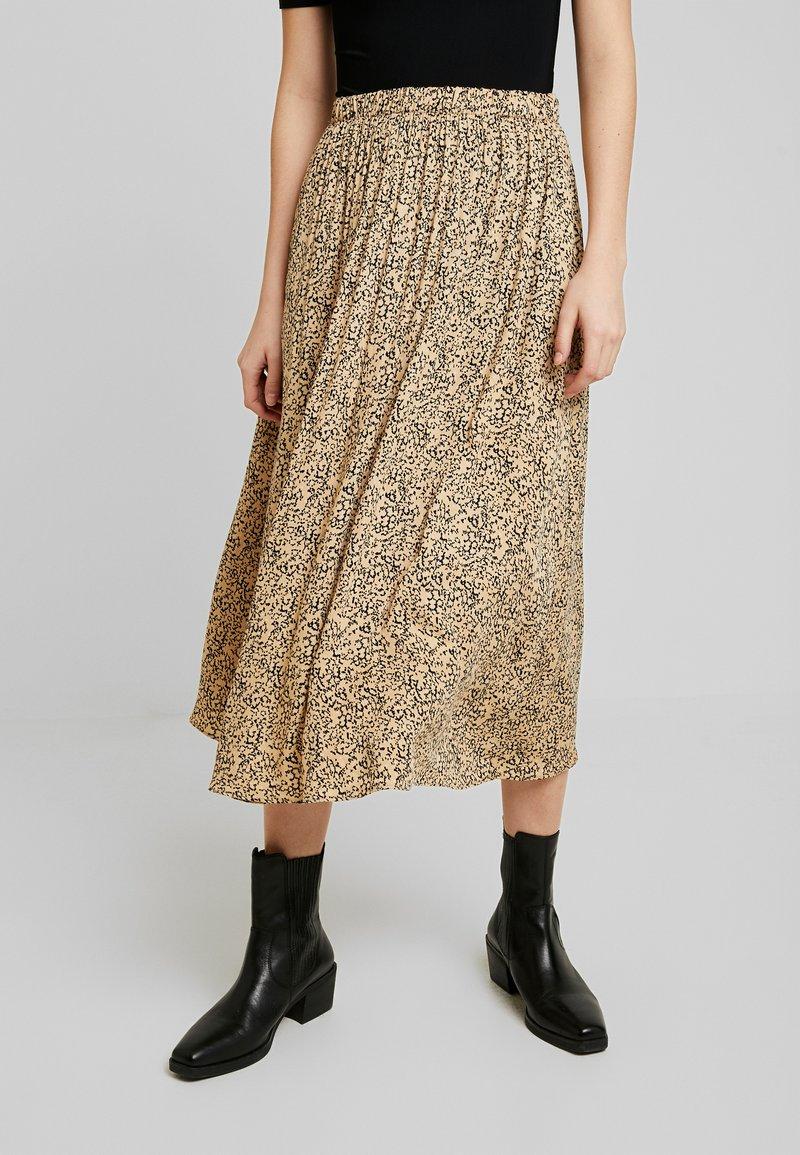 Soft Rebels - SRAVIAJA MIDI SKIRT - A-line skirt - warm sand