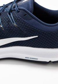 Nike Performance - QUEST 2 - Neutral running shoes - midnight navy/white/ocean fog - 5