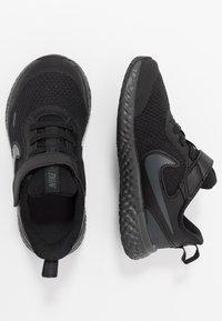 Nike Performance - REVOLUTION 5 UNISEX - Neutrální běžecké boty - black/anthracite - 0