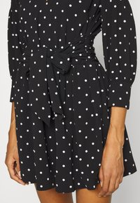 Guess - CILIA ROMPER - Jumpsuit - black and white - 4