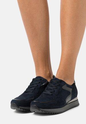 Sneakers laag - dark blue/grau