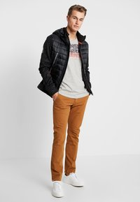 DOCKERS - SMART 360 FLEX ALPHA SKINNY - Chinos - dark ginger - 1
