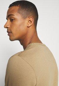 Burton Menswear London - LONG SLEEVE CREW 2 PACK  - Long sleeved top - dark blue - 5