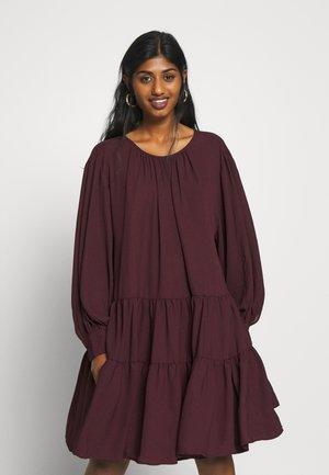 SLFAMAYA SHORT DRESS PETITE - Day dress - winetasting