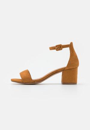 Sandalias - camel