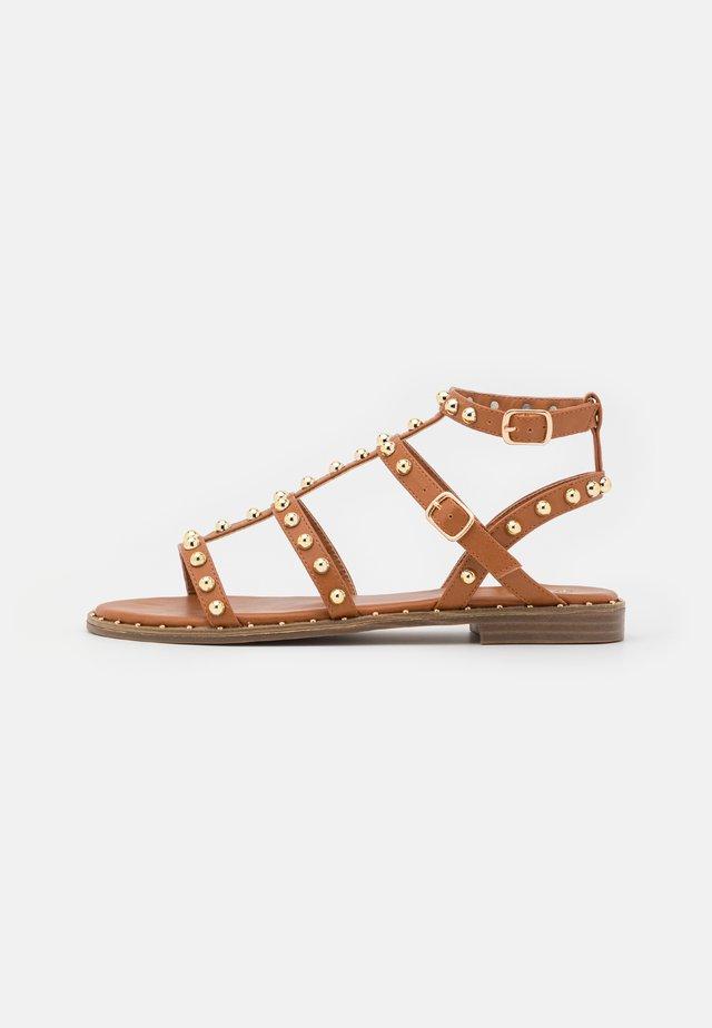 PAOLA - Sandali - brown
