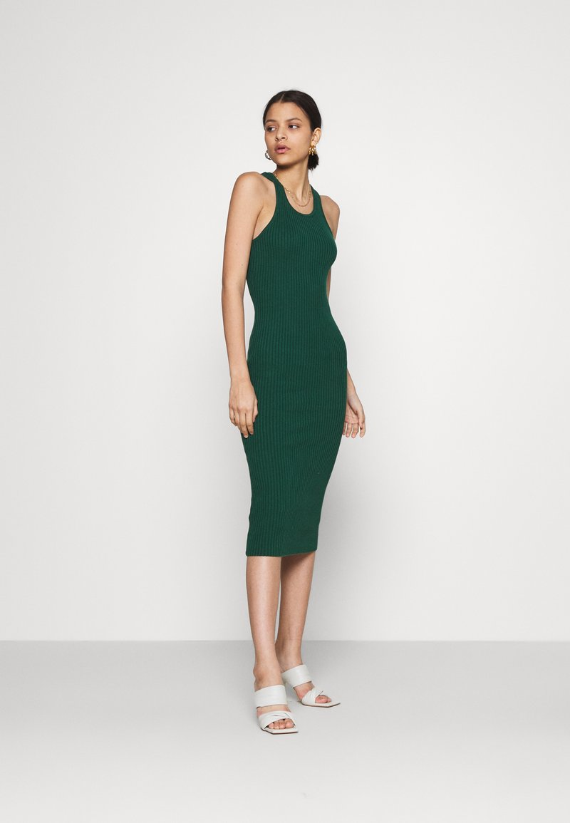 Glamorous - RACERBACK MIDI DRESSES WITH ROUND NECKLINE - Strikket kjole - forest green