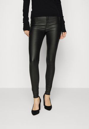 VMSOPHIA SKINNY S COATED PANT - Pantaloni - black