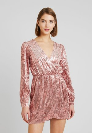 LONG SLEEVE SEQUIN MINI DRESS - Koktejlové šaty / šaty na párty - pink