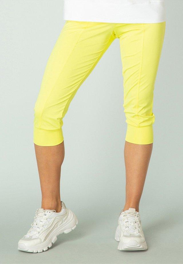 NICOLE - Shorts - yellow
