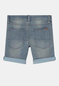 Name it - NKMTHEO - Shorts vaqueros - light blue denim - 1