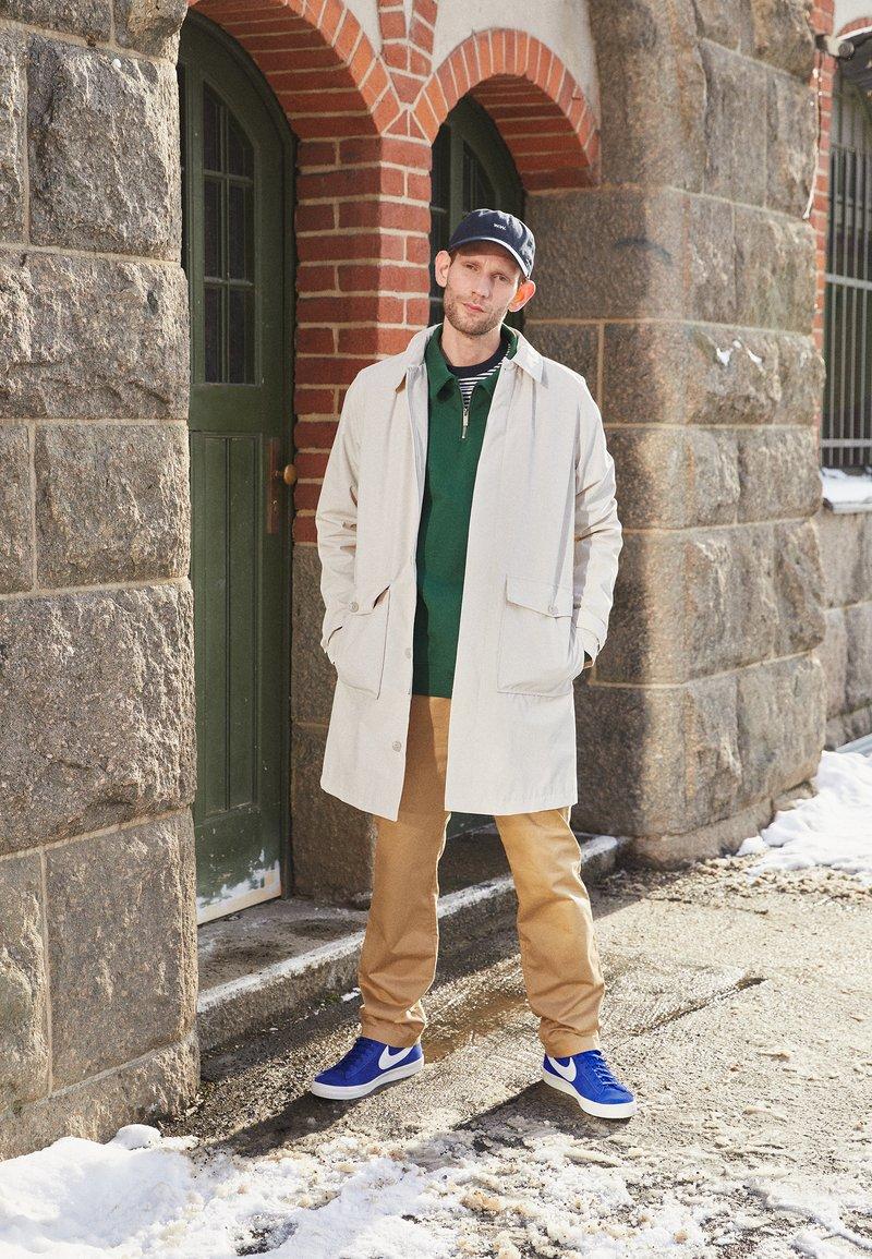 Nike Sportswear - BLAZER MID '77 UNISEX - Zapatillas altas - deep royal blue/white/black