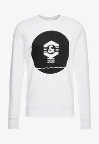 Jack & Jones - JCOKNOWN CREW NECK - Sweatshirt - white - 3