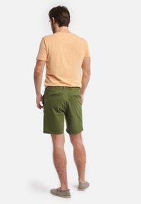 Shiwi - SHIWI MEN STRETCH COTTON JACK - Shorts - khaki green - 1