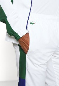 Lacoste Sport - TENNIS TRACKSUIT - Survêtement - cosmic/white/green - 8