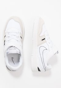Nike Sportswear - SQUASH-TYPE UNISEX - Tenisky - summit white/black/vast grey - 0