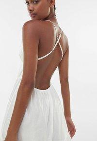 Bershka - Maxiklänning - white - 3
