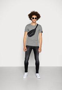 Replay - Basic T-shirt - dark grey melange - 1