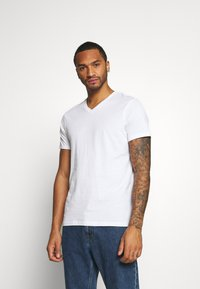 Burton Menswear London - SHORT SLEEVE V NECK 3 PACK - T-shirt basic - black/white/navy - 1