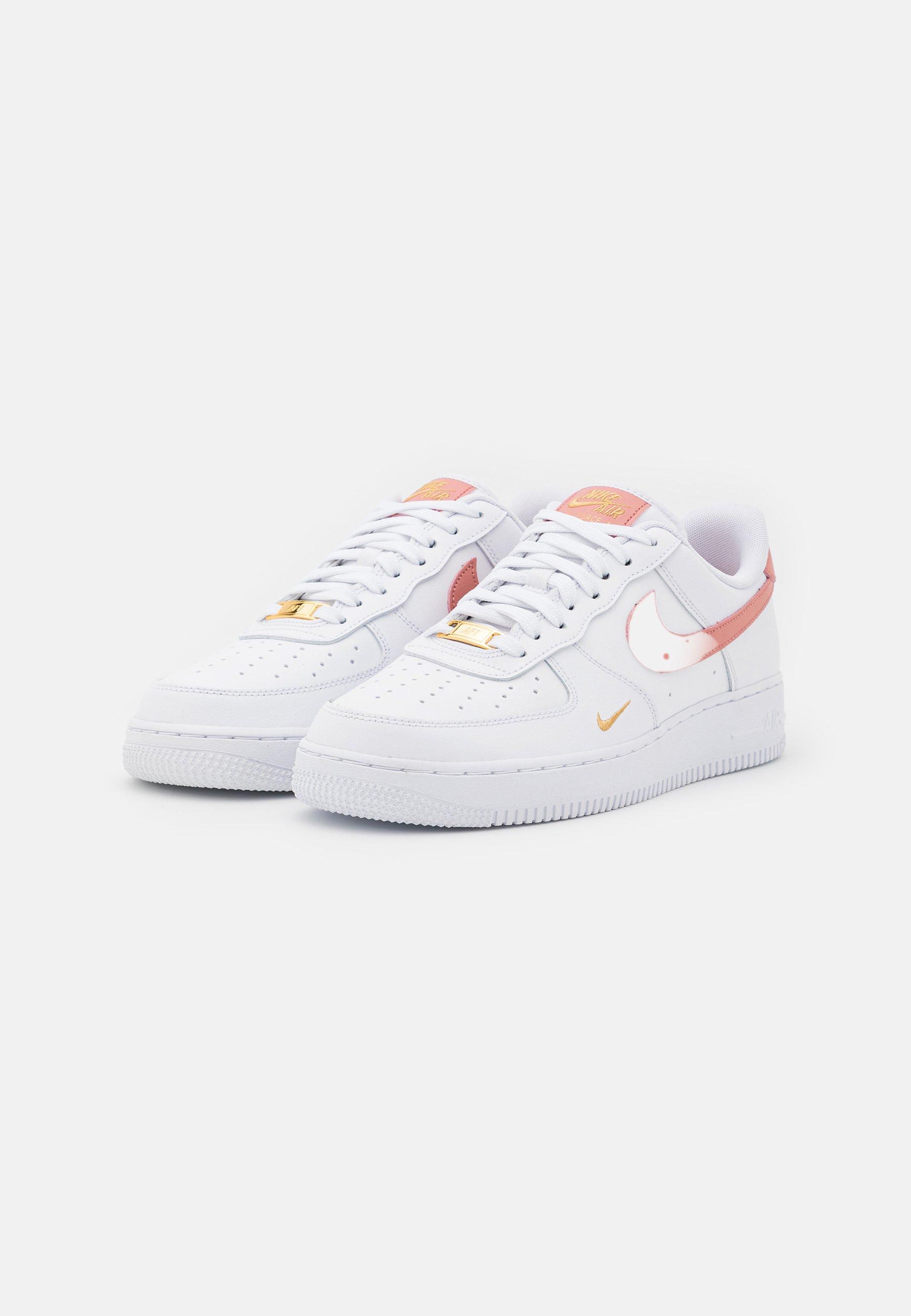 Nike Sportswear AIR FORCE 1 07 ESS - Sneakers basse - white/rust ...