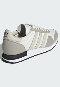 adidas Originals - USA 84 UNISEX - Baskets basses - light brown/clear brown/off white - 3