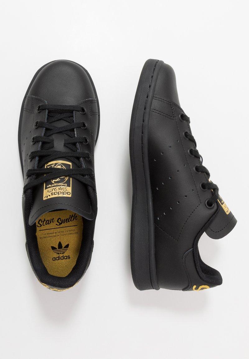 adidas Originals - STAN SMITH - Tenisky - core black/gold metallic