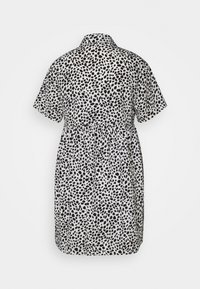 Missguided Maternity - SMOCK DRESS DALMATIAN - Košilové šaty - white - 1
