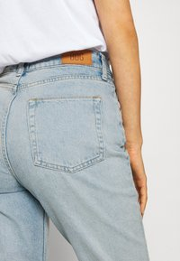 BDG Urban Outfitters - MOM - Relaxed fit jeans - bleach - 5