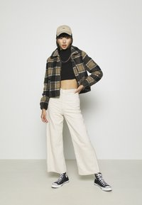 Nly by Nelly - LIGHT CROP  - Longsleeve - black - 1