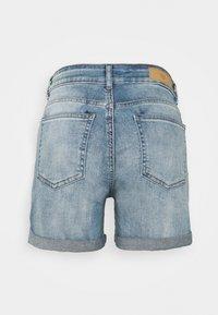 ICHI PETITE - IHTWIGGY - Denim shorts - light blue - 1