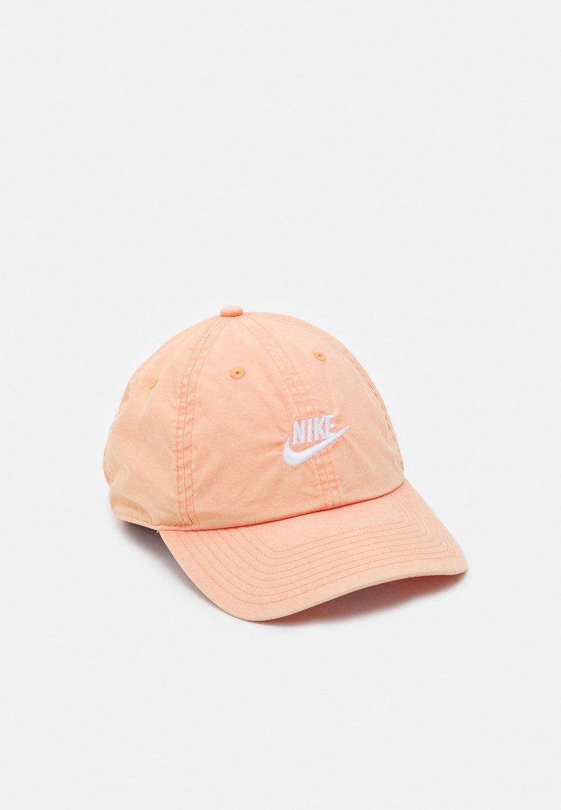 Nike Sportswear - BEACH WASH UNISEX - Cap - apricot agate