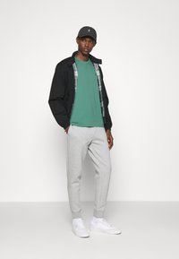 Polo Ralph Lauren - CUSTOM SLIM FIT CREWNECK - Basic T-shirt - seafoam - 1
