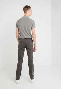 BOSS - SCHINO - Chinos - charcoal - 2