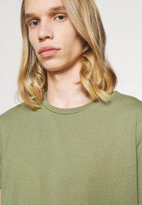 Burton Menswear London - DUCKEGG 3 PACK - T-shirt basic - multi - 5