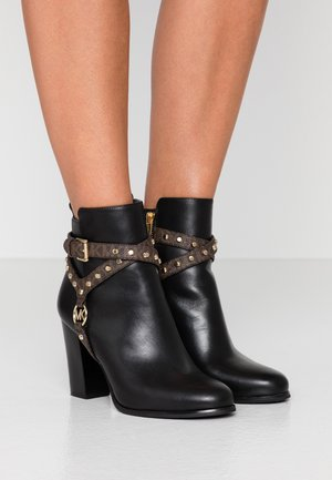 PRESTON BOOTIE - Bottines à talons hauts - black/brown