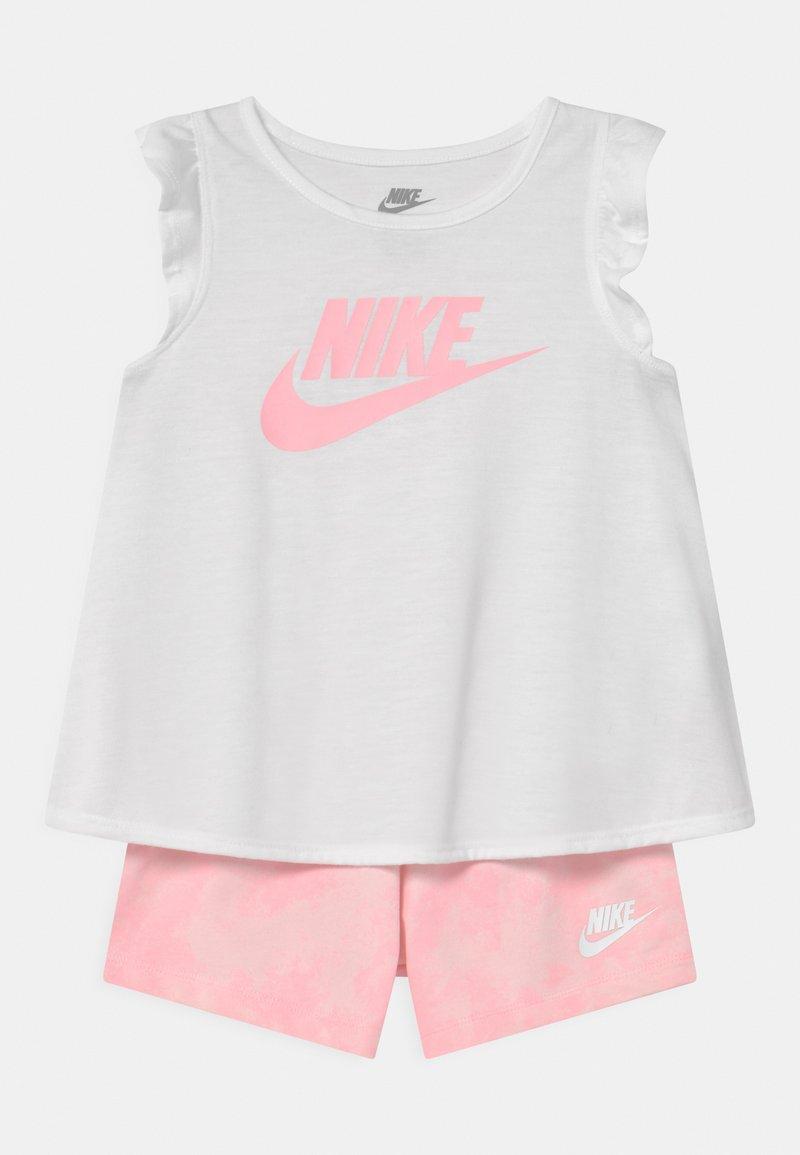 Nike Sportswear - MAGIC CLUB SET - Shorts - pink foam