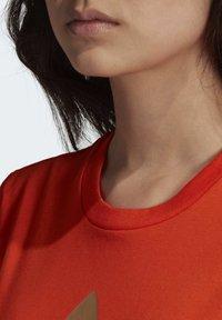 adidas Originals - TREFOIL TEE - T-shirt print - energy orange/cardboard - 5