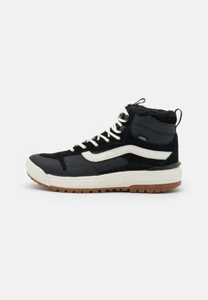 ULTRARANGE EXO MTE - High-top trainers - black