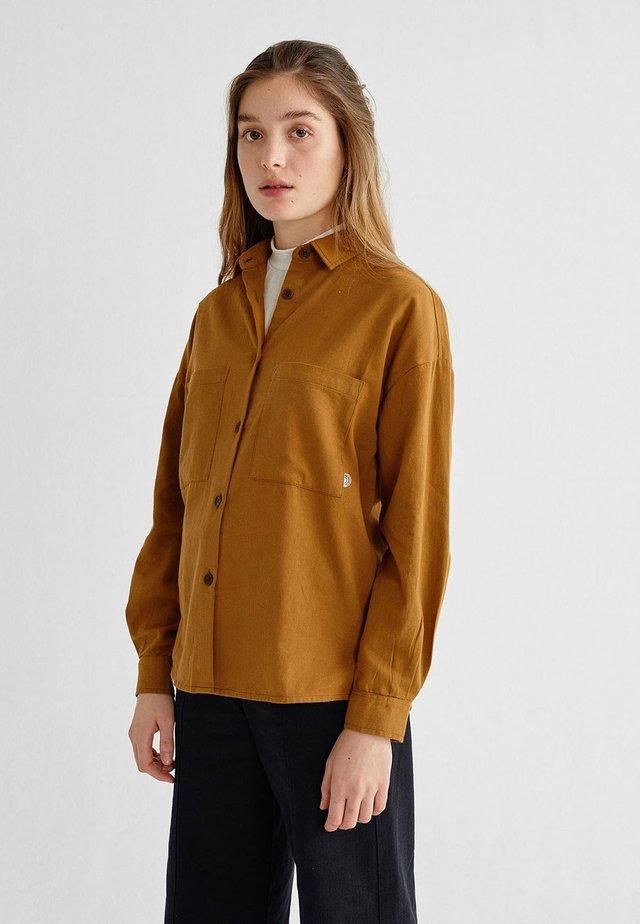 BAU - Button-down blouse - caramel