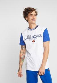 Ellesse - CODY - T-shirt imprimé - white - 0
