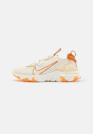 REACT VISION - Trainers - pale ivory/monarch/coconut milk