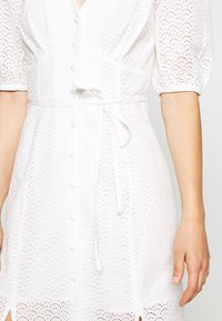 Miss Selfridge - BRODERIE BUTTON THROUGH - Vestido camisero - ivory - 6