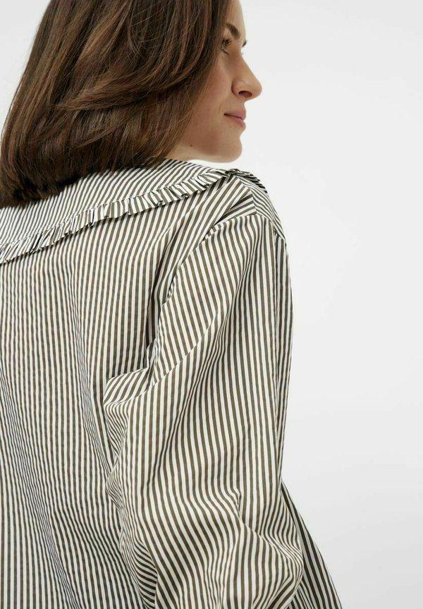 Pieces Koszula - bright white/ciemnozielony melanż IIFA