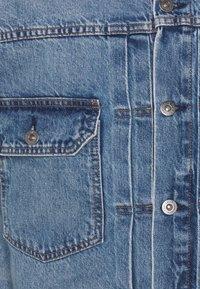 Levi's® Made & Crafted - OVERSIZED TYPE II TRUCKER UNISEX - Džínová bunda - blue denim - 2