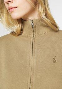 Polo Ralph Lauren - RHINESTONE LOOPBACK - Sportovní bunda - boating khaki - 5