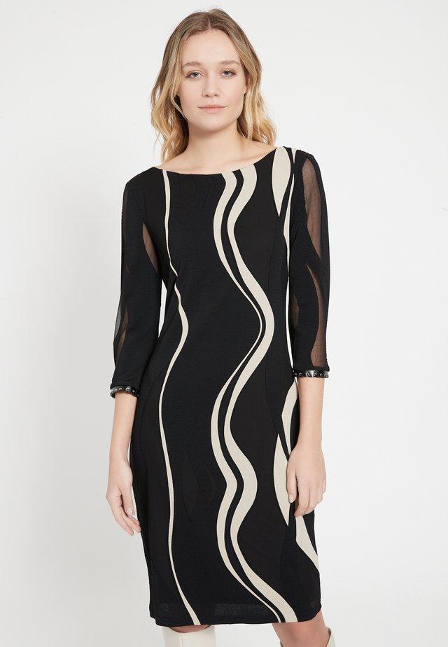 BEPPY - Etui-jurk - schwarz-weiß