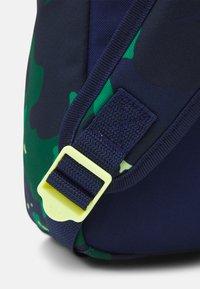 adidas Originals - UNISEX - Rugzak - collegiate green/night sky/pulse yellow - 3
